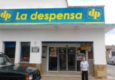 Sandra de Andres inicia su voluntariado formativo de Auxiliar de Comercio en el supermercado La Despensa de Orgaz