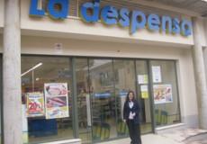 Marta López inicia su voluntariado formativo como auxiliar en el Supermercado La Despensa de Los Yébenes